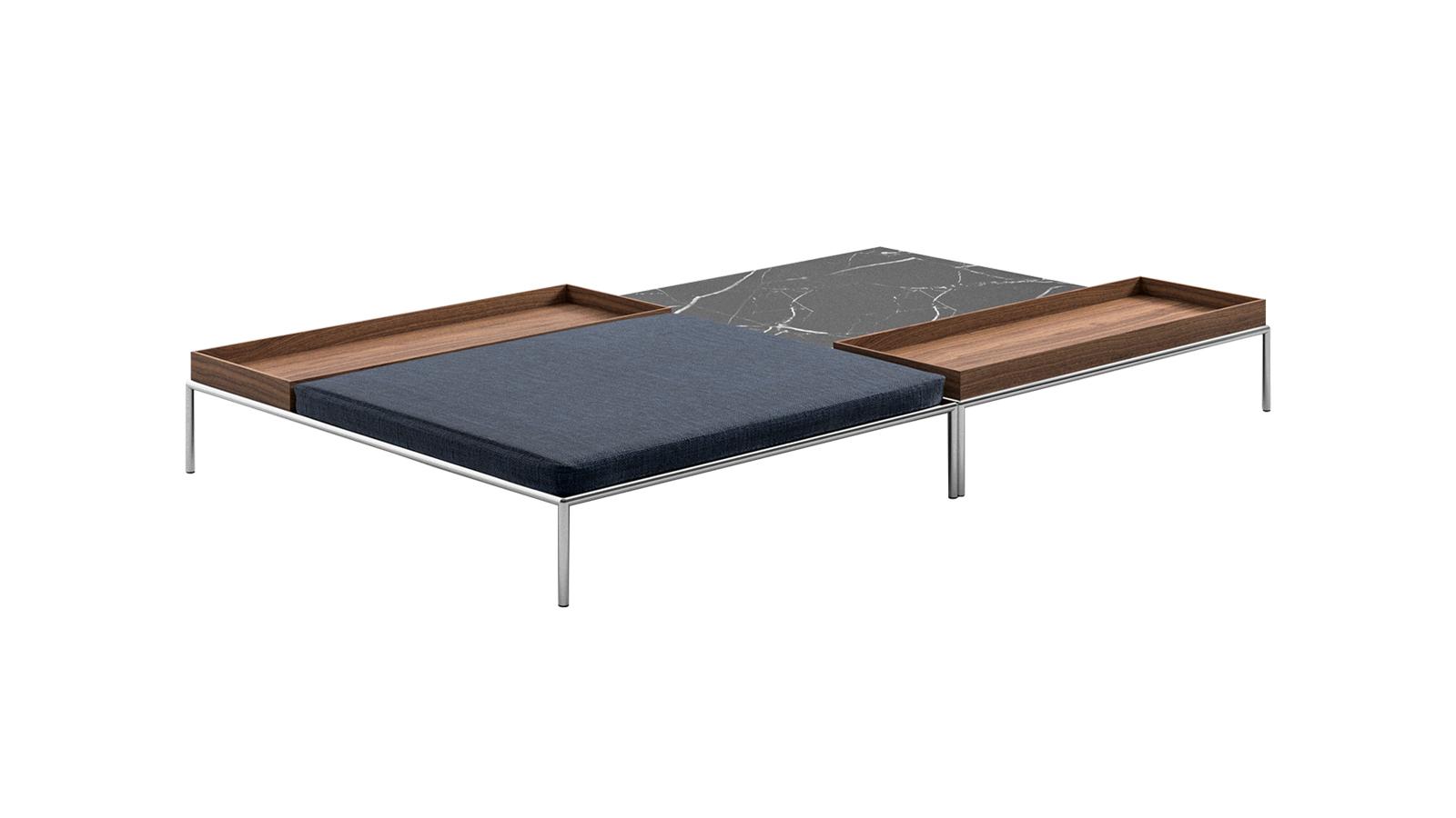 A Mex-Hi ülőgarnitúrához passzoló márvány asztalsorozat kivételes innováció: a dohányzóasztalhoz egy hozzá tökéletesen passzoló puff is társítható, a szervírozást pedig az asztalra szabott fatálcák könnyítik meg. Az asztalok nagyobb egységgé is összerendezhetők, ám önmagukban is betöltik funkciójukat.