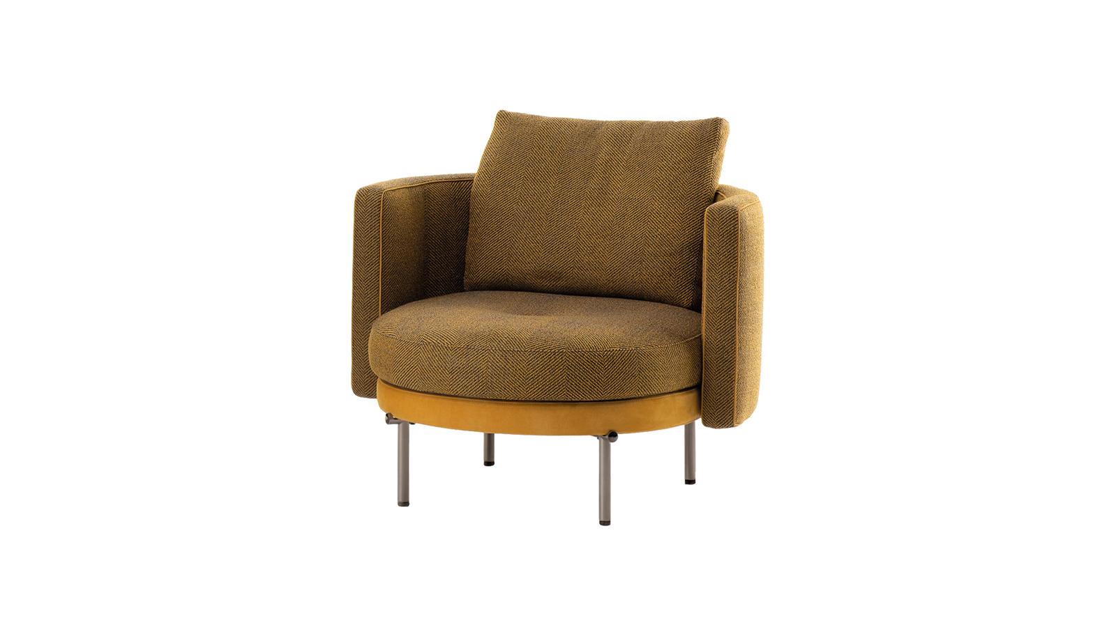 A modern európai formatervezés és a japán tradíciók harmonikus találkozása: ez a légies Torii szék. A nyurga fémötvezetű lábakat a tradicionális japán szakrális kapuk ihlették. A tiszteletet parancsoló struktúrát az ülőrész kerek és szögletes formáinak játéka töri meg, mely igazi mesterművé teszi a karfát.