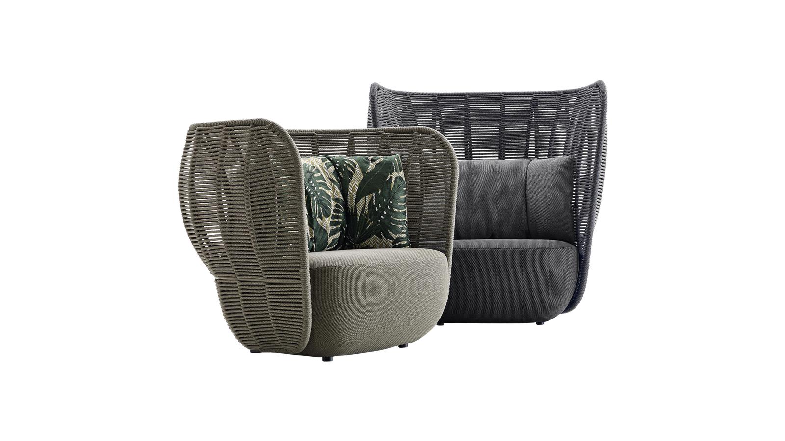 Szoborszerű, monolitikus szépség a B&B Italia népszerű Bay kollekciójának kanapéja. Gömbölyded ülőfelületét könnyed, fonott hát- és kartámlarendszer egészíti ki, mely egyszerre biztosít intimitást és szellőzést a benne ejtőzőknek.