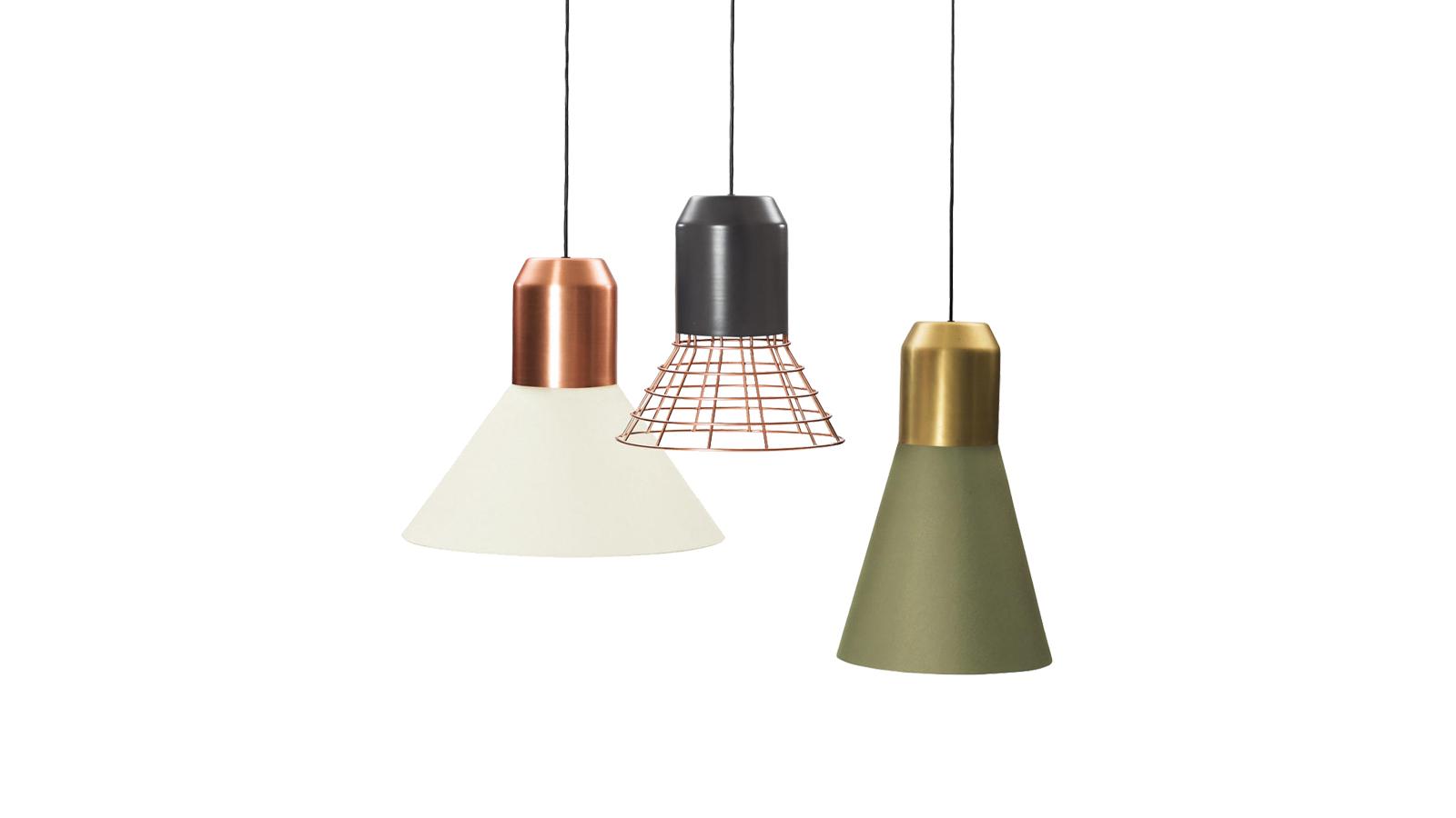 Korunk egyik legtehetségesebb tervezője: Sebastian Herkner designer alkotta meg ezeket a látványos lámpákat, melyek számos színben, méretben és konfigurációban kaphatók. Anyagaik, felületeik, színeik változatossága rendkívül jól kombinálhatóvá teszi őket, és lehetőséget ad arra is, hogy egymás mellé helyezve őket, különlegesen látványos világítási installációt hozzunk létre belőlük.
