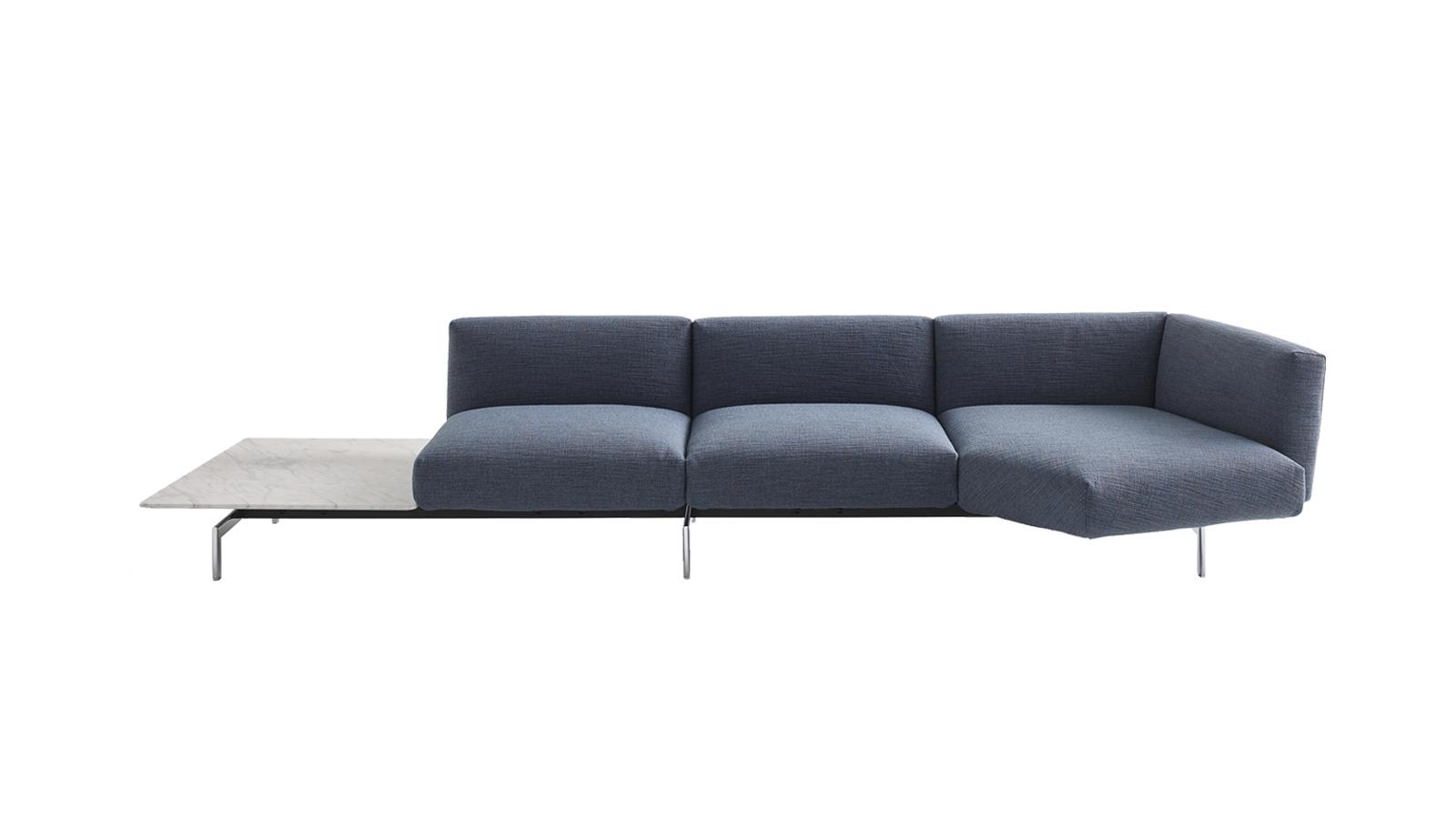 Az Avio, amely Piero Lissoni alkotó fantáziájának szüleménye, modern és sokoldalúan variálható kanapérendszer. Szinte bármilyen típusú tér újraértelmezhető általa, és a legoptimálisabb helykihasználást kínálja. Azok számára különösen ideális, akik nagyra értékelik a stabil, de elegáns designt, mely egyúttal utat nyit a kényelmes és nyugodt életmód felé.