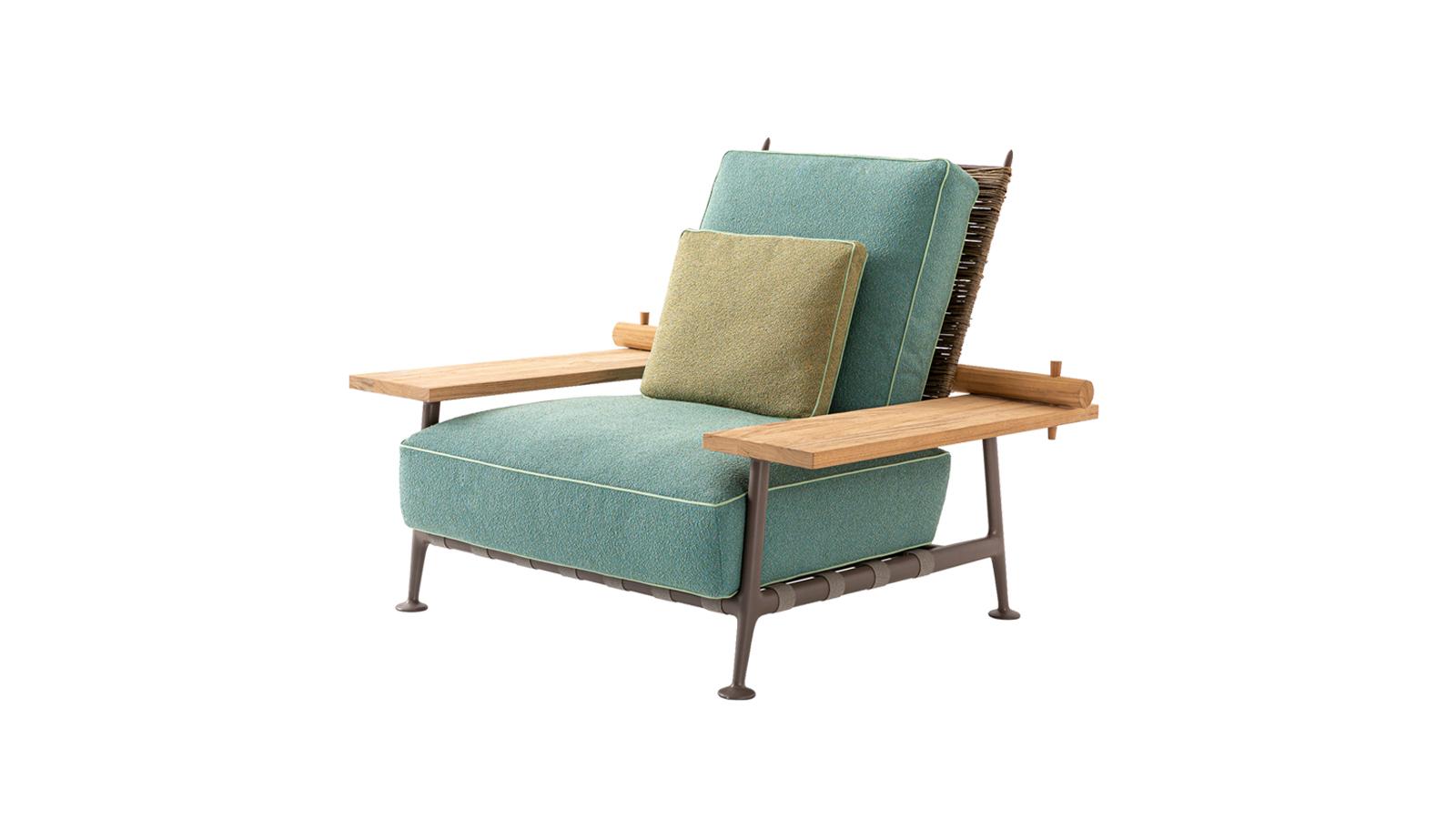 """Philippe Starck korunk designer fenegyereke. A világhírű tervező a Cassinával együttműködve álmodta meg a Fenc-e Nature bútorkollekciót, mely elmondása szerint a """"nyugalmas elegancia életmódjának kollekciója"""". Letisztult vonalai a természetességet ünneplik, mellyel olyan sziklaszilárdan és szemet kápráztatóan foglalja el a helyét a teraszon, kertekben, medence partján, akár egy gyönyörű tölgyfa. Az ázsiai tárgykultúra jeleit sem nélkülöző kollekció tökéletes választás, ha kortárs, kényelmes és lenyűgöző ülőalkalmatosságra vágyik."""