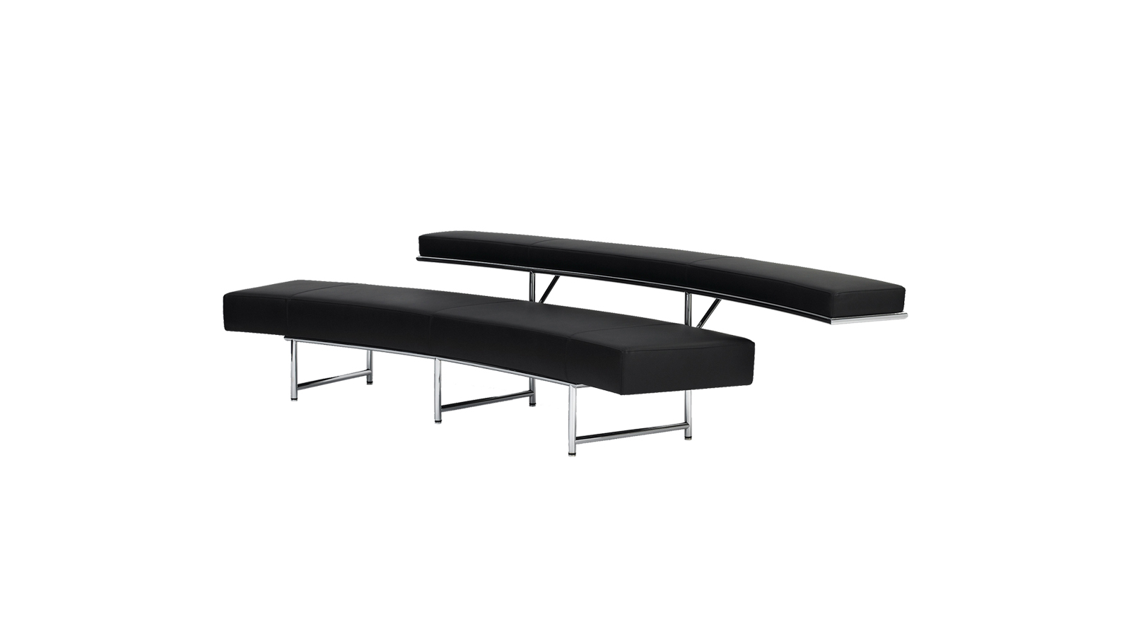 A modernizmus egyik legelismertebb tervezőnője, Eileen Gray által tervezett kanapé olyan egyedi karakterrel rendelkezik, amely senkit sem hagy hidegen. Egyszerre lágyan ívelő és szigorúan geometrikus, sugároz letisztult egyszerűséget és mozgalmas dinamizmust – mégpedig tökéletes összhangban.