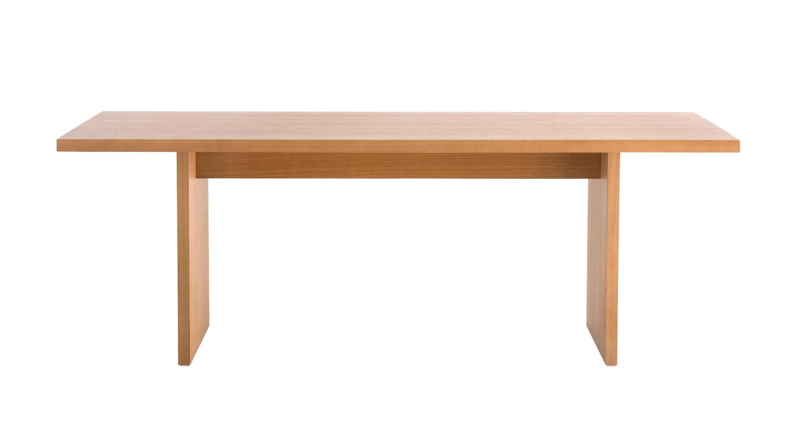 Az Arclinea különálló darabja, a Panca, az asztal tárgyi lényegét ragadja meg: egyetlen elemet sem szerepeltet a bútor, amely csak a vizuális ingereket szolgálná ki, minden eleme tisztán funkcionális. A két lábra és egy támlára redukált asztal nem hordoz semmiféle díszelemet, vagy tervezői bravúrt: paradox módon a maga visszafogottságával hívja fel magára a figyelmet.