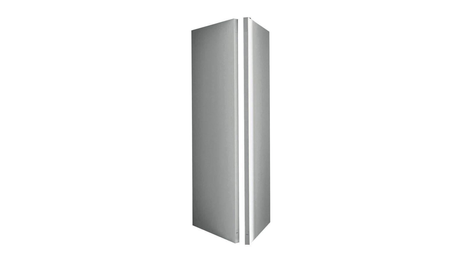 A Pivot rendszerrel a tér tökéletes flexibilitását valósíthatjuk meg – ezek a gigantikus ajtók ugyanis inkább mobil falszárnyak, melyek egy fix pont körül szabadon mozgathatók. Segítségükkel elrejthető a gardrób, a könyvespolc, vagy akár szeparálható velük a tér egy nagyobb része is. A rendszert, mely fix és ajtóként funkcionáló elemekből, tetszőlegesen összeállítható, a Decoma Design tervezte.