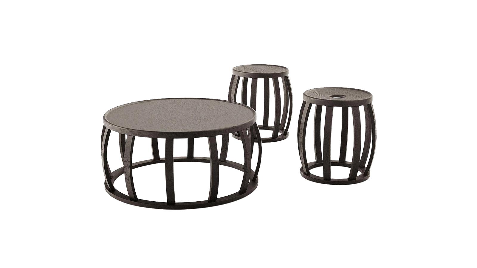 A Loto lerakóasztal gömbölydedségét keskeny lábazati megoldása oldja, mely számos tömörfa-fajtából megrendelhető. A két méretben kapható Loto stílusos, elegáns kiegészítő, mely önmagában is karaktert adhat egy letisztult, elegáns helyiségnek.