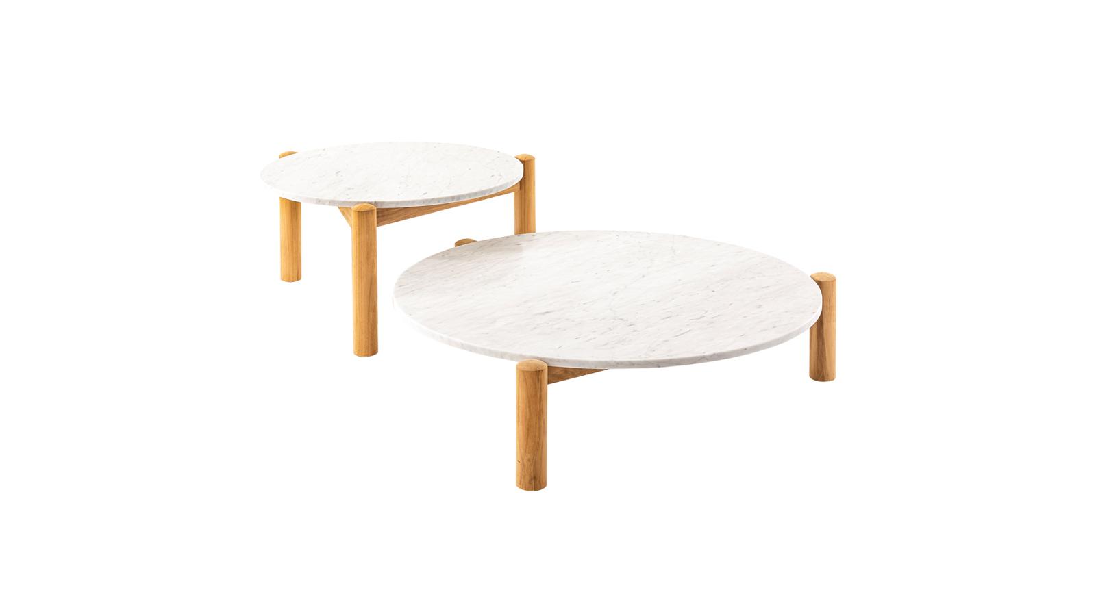 Japán formák, variálhatóság és könnyedség: a Cassina I Maestri kollekciójának e darabja, a Table a Plateau Interchangeable asztal a kültéri pillanatokat teszi még teljesebbé. Az eredetileg 1937-ben, Charlotte Perriand által tervezett darab két méretben, teakfa szerkezettel és márvány asztallappal kapható.